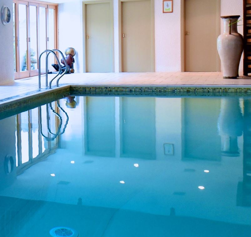 Around about britain hotels b bs self catering - Hotels in yeovil with swimming pool ...